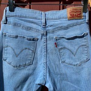 Levi Strauss & Co. Size 6 Denim Jean